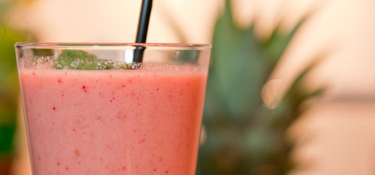 Mango strawberry spring smoothie recipe