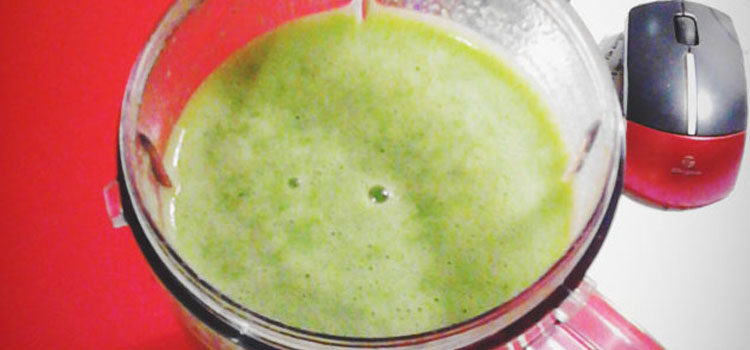 Green smoothie with spinach recipe